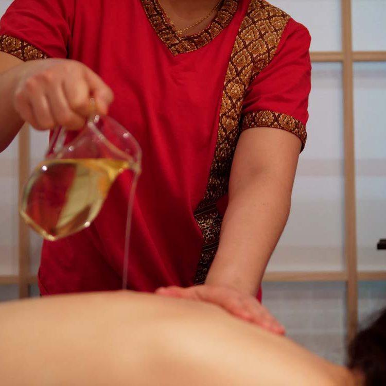 Masaža vrućim uljem
